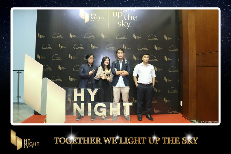 Buzz-Comm-Year-End-Party-instant-print-photo-booth-at-New-World-Saigon-Chup-hinh-lay-lien-Tat-nien-WefieBox-Photobooth-Vietnam-017.jpg