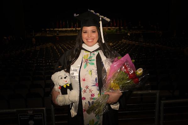 UD graduate 2021 Nessa