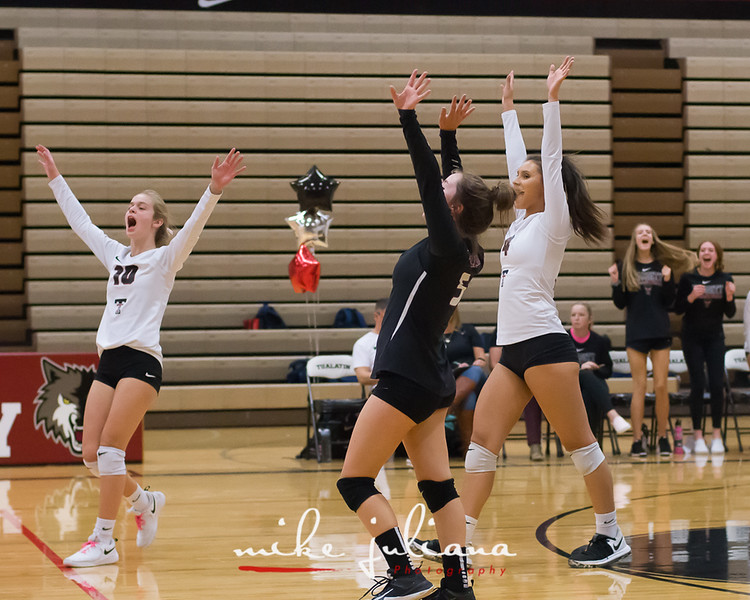 20181018-Tualatin Volleyball vs Canby-0911.jpg