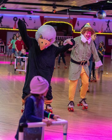 191219 Micheltorena Elf Skate Night