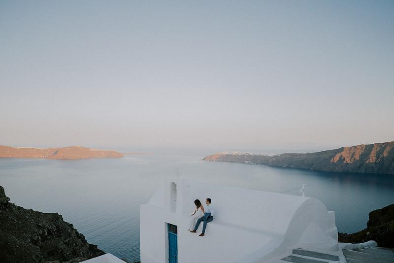 Tu-Nguyen-Destination-Wedding-Photographer-Santorini-Elopement-Alex-Diana-236.jpg