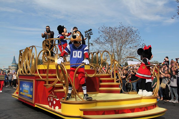 SuperBowl 53 Disney Parade _ 2019