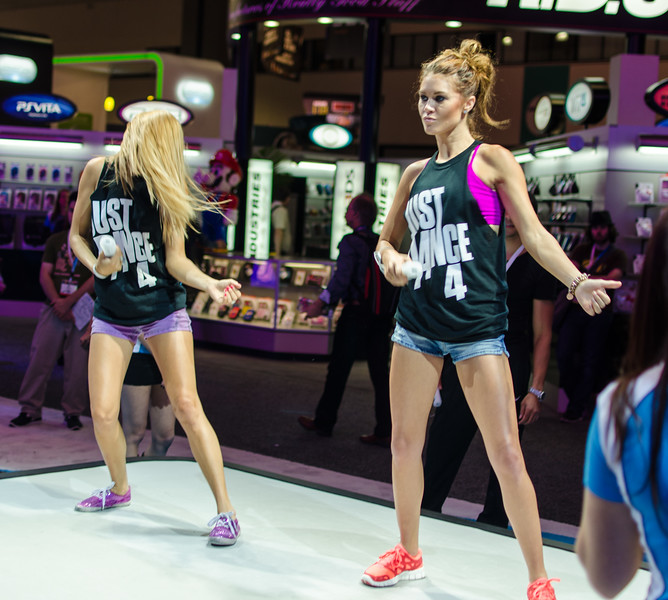 Dancing girls at E3 2012