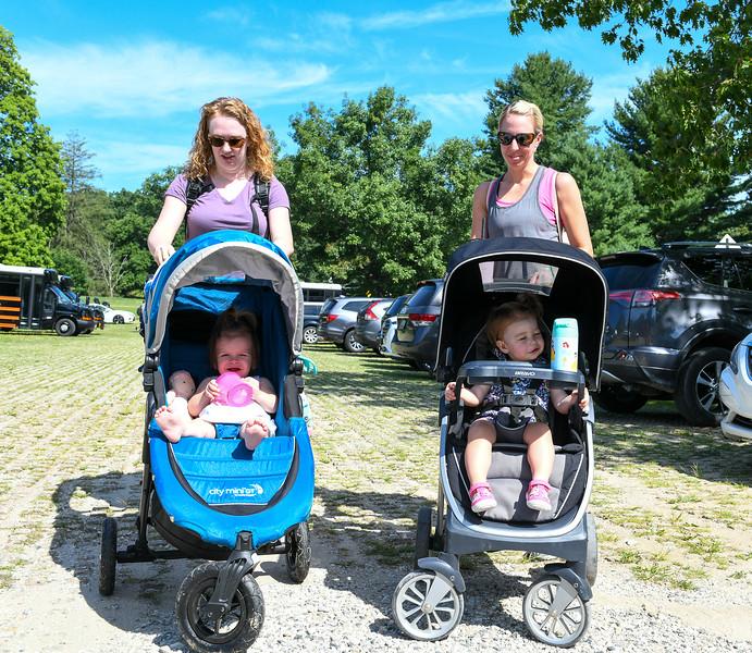 2019 Sweet Caroline - 07-17-2019 - Caroline and Evie Go to the Zoo