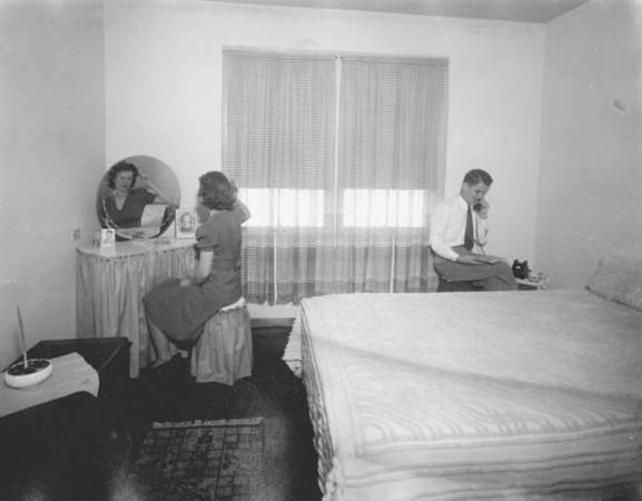 Brentwood Home Inside - 1939.jpg