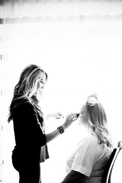 Hillary_Ferguson_Photography_Melinda+Derek_Getting_Ready071.jpg