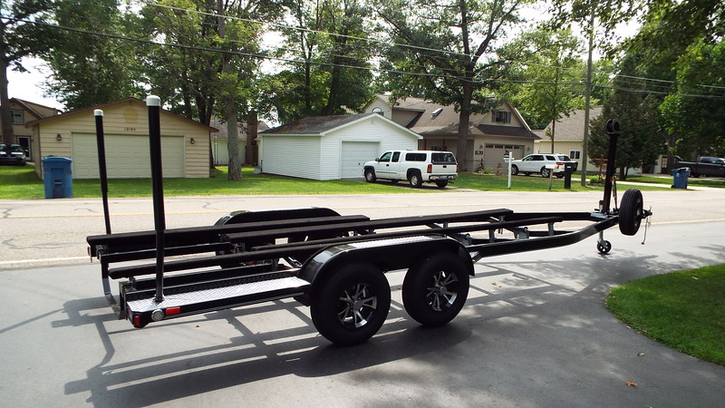 Rear side view of the new trailer.