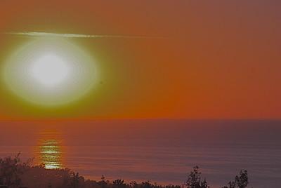 2010 08 27: Duluth, Sunrise, Moon, Crane