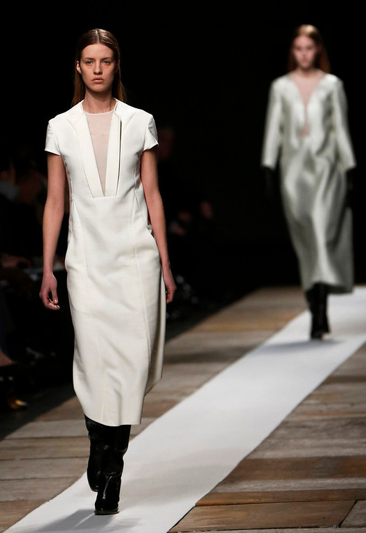 . Models present creations from the Theyskens\' Theory Autumn/Winter 2013 collection during New York Fashion Week, February 11, 2013.   REUTERS/Shannon Stapleton