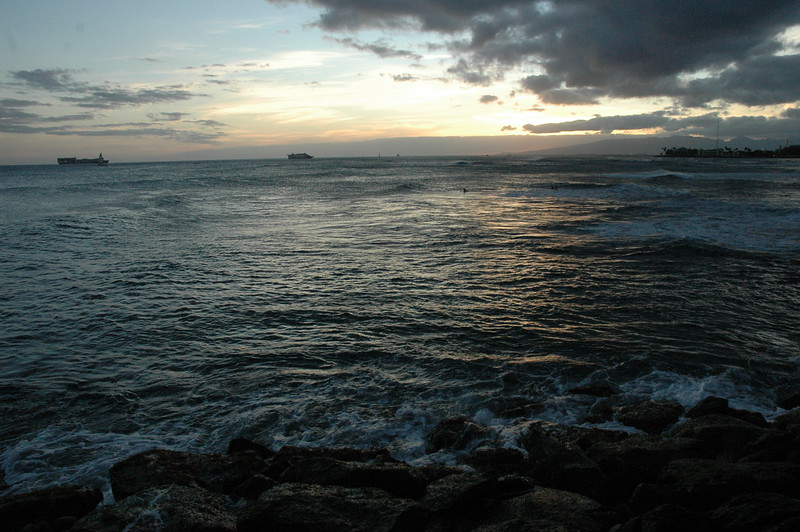 Hawaii - Ala Moana Beach Sunset-76.JPG