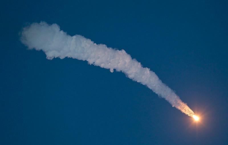 . The Soyuz TMA-07M spacecraft carrying the International Space Station (ISS) crew of U.S. astronaut Thomas Marshburn, Russian cosmonaut Roman Romanenko and Canadian astronaut Chris Hadfield blasts off at the Baikonur cosmodrome December 19, 2012. REUTERS/Shamil Zhumatov