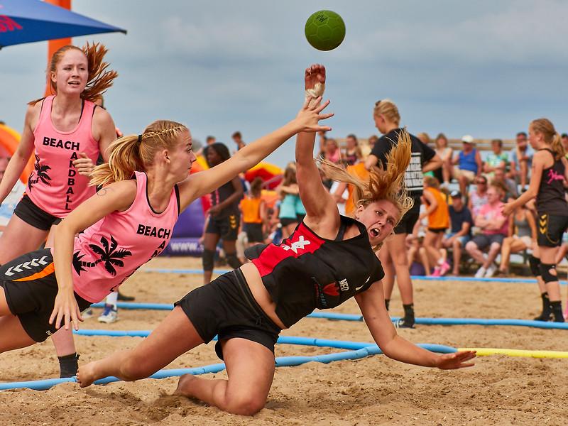 Molecaten NK Beach Handball 2017 dag 1 img 354.jpg
