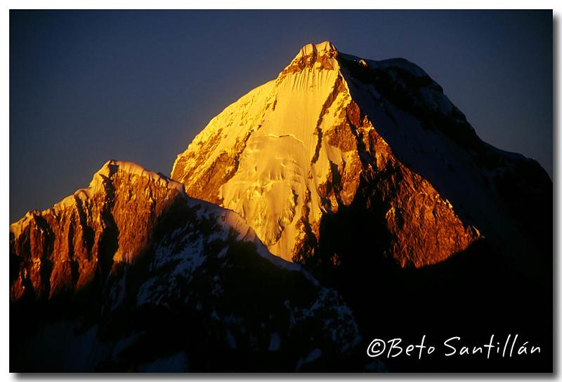 HUANDOY sunrise 2005 2.jpg