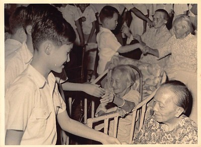 1971 visit to old folks home