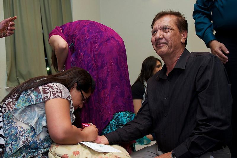 Rahim-Mehndi-2012-06-00505.jpg