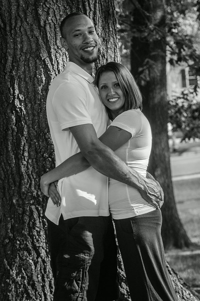 AshleyAndTreyBW (8 of 33).jpg