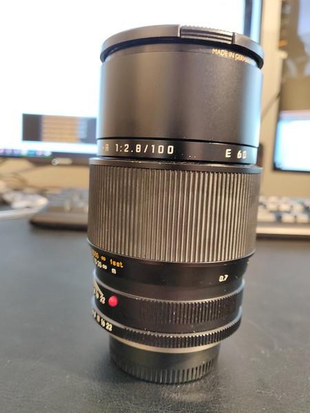 Leica R 100mm 2.8 APO-Macro-Elmarit-R ROM - Serial 3853930 002.jpg