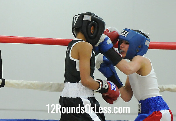 Bout 17=O Lopez(Newark, NJ) -vs- J Meggyesy(Grove City, OH)