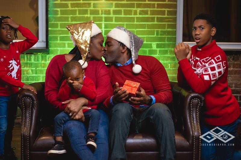 Johnson Family Christmas 2019-06528.jpg