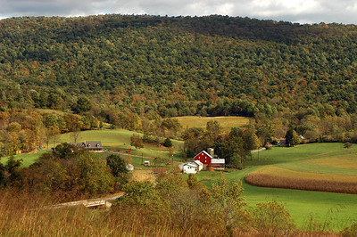 Farms, Barns, & Tractors of Pennsylvania