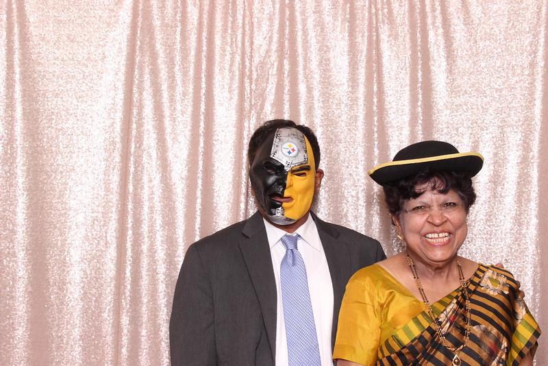 Boothie-PhotoboothRental-PriyaAbe-O-185.jpg