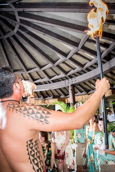 019__Hawaii_Destination_Wedding_Photographer_Ranae_Keane_www.EmotionGalleries.com__141018.jpg