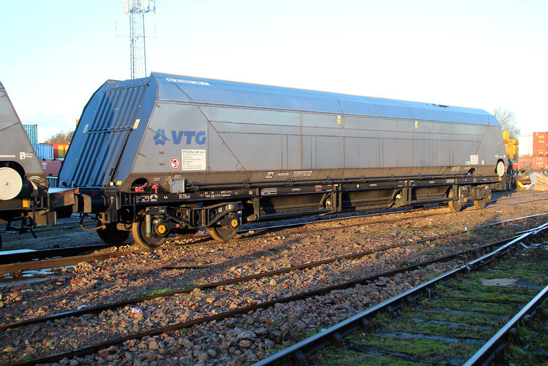 IIA 83706955319-1 at WH Davis awaiting the fitting of its hoods for the Biomass traffic 15/12/12.