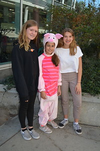 LCHS 7/8 Students Scare Up Halloween Costumes