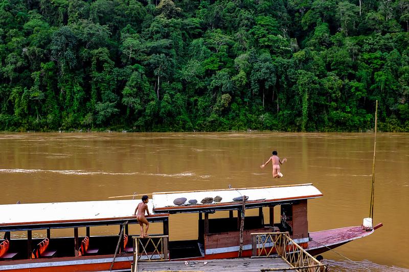 boat boys mekong river travel natgeo laos asia nikon studiozag natgeo-1.jpg