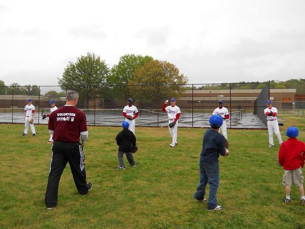 Baseball participates in Spirit of Life Clinic