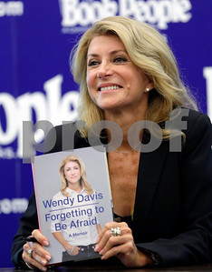 wendy-davis-receives-endorsements-from-two-area-democrats