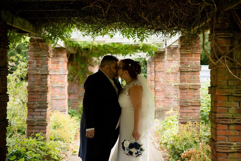 Mr and Mrs Lee-186.jpg