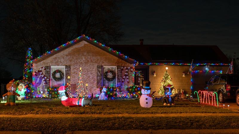 logan-elm-village-christmas-lights-112.jpg