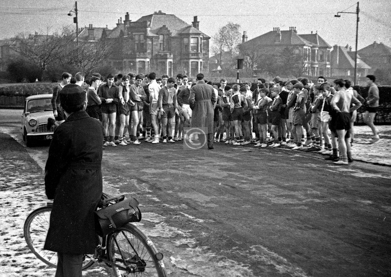 Titwood Rd entrance to Pollok Park, start of a school cross-country race. 1963/4