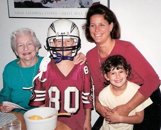 99Jill kids and Grandma.jpg