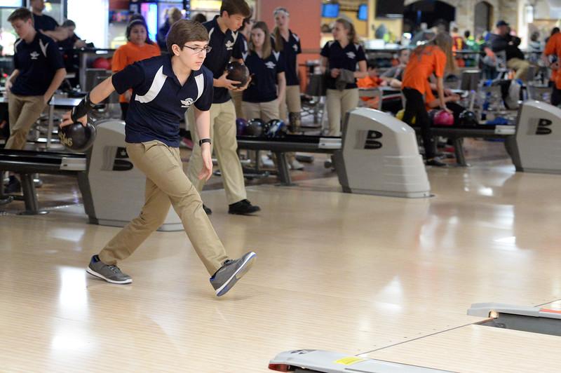 boys_bowling_9776.jpg
