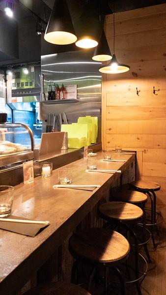 Mont-Tremblant-Quebec-Restaurant-Samurai-Sushi-Pub-07.jpg