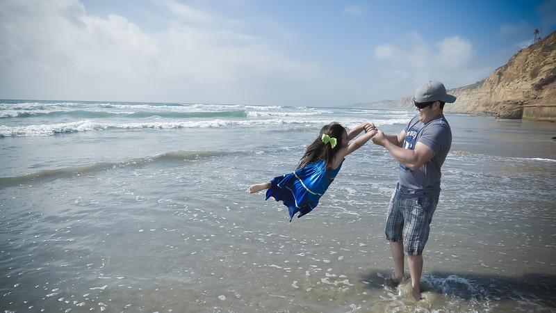 beach family (30 of 18).jpg