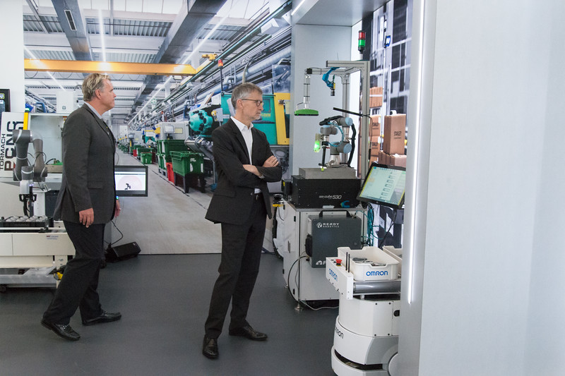 04/11/19  Wesley Bunnell | Staff  Stanley Back & Decker launched their Advanced Manufacturing Center of Excellence, called Manufactury 4.0 on Thursday at its downtown Hartford location at 1 Constitution Plaza. Visitors examine display labeled Machine Tending.