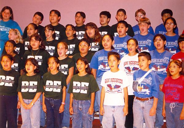 February 2000 Choir 5th garders