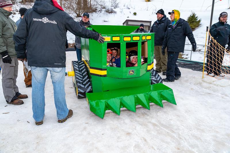 Carnival-Sunday_58th-2019_Snow-Trails-76542.jpg