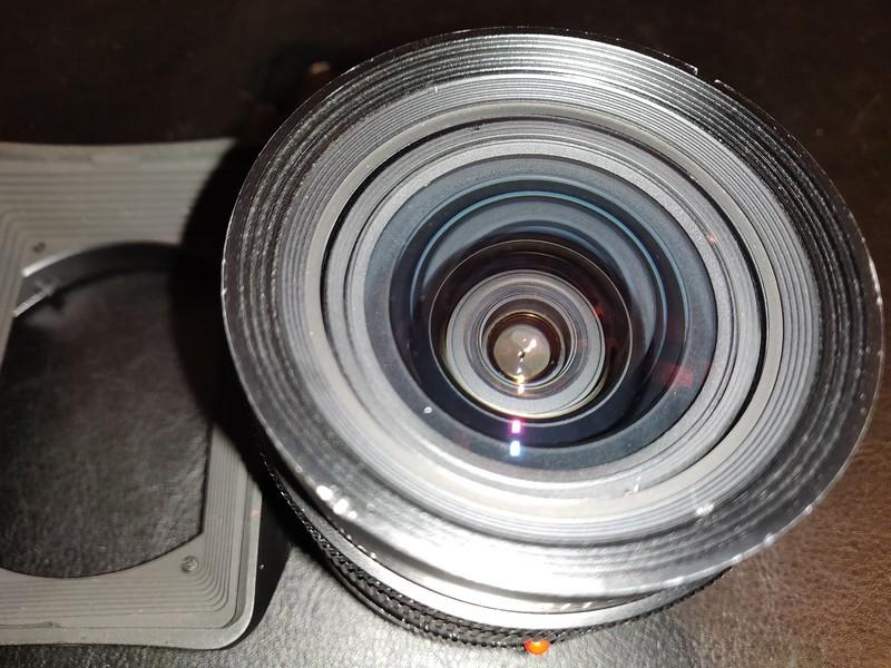 Leica 19mm 2.8 Elmarit-R II - Serial 3503701 006.jpg