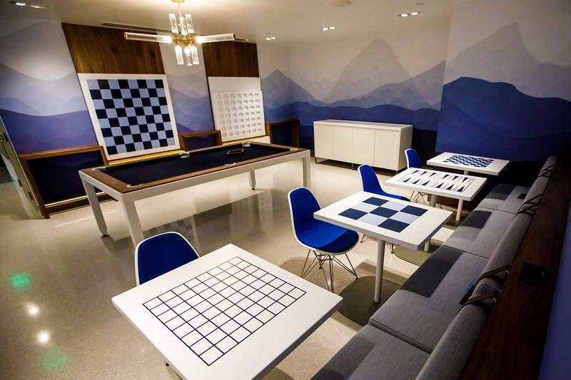 012721_services_amex_lounge-051.jpg