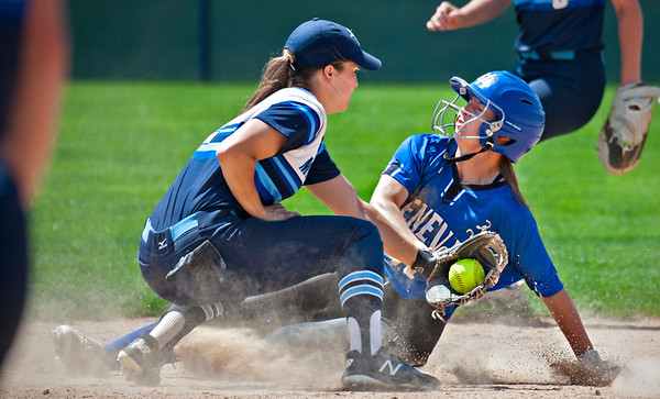 Geneva softball vs. Downers Grove South
