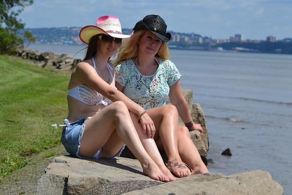 Nicole and Kristin
