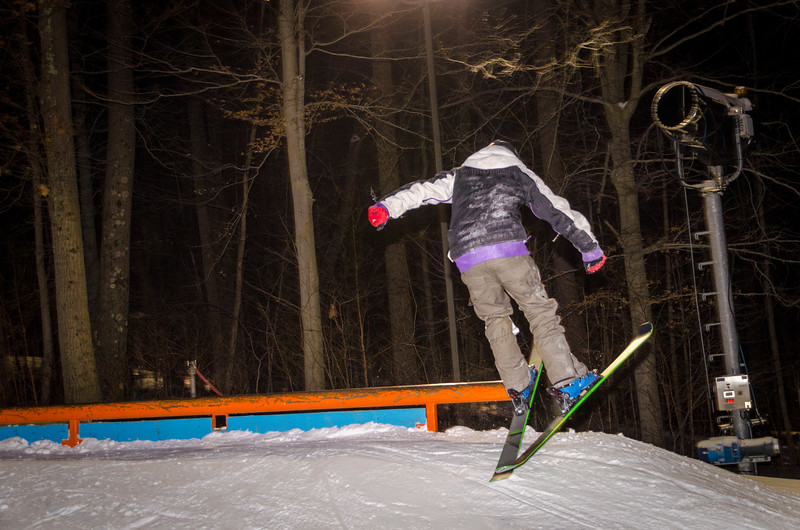 Nighttime-Rail-Jam_Snow-Trails-39.jpg