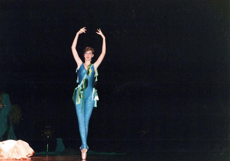 Dance_2045_a.jpg