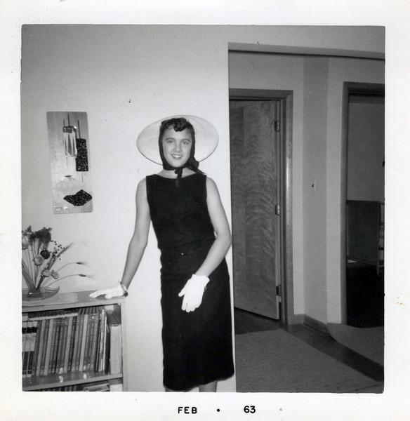 1963 Teri Kay all dressed up.jpeg