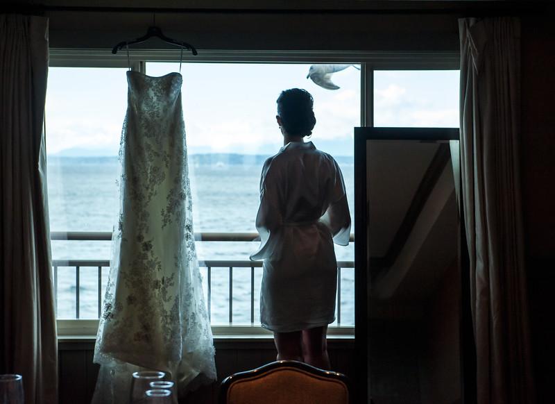 edgewater-hotel-spring-wedding-waterfront-downtown-seattle-wedding-carol-harrold-photography-10.jpg