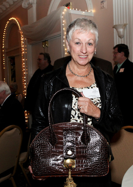 purse winnera.jpg